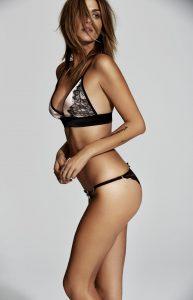 Webcam avec une fille nue